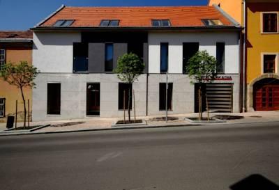 hotelarkadia-pecs400